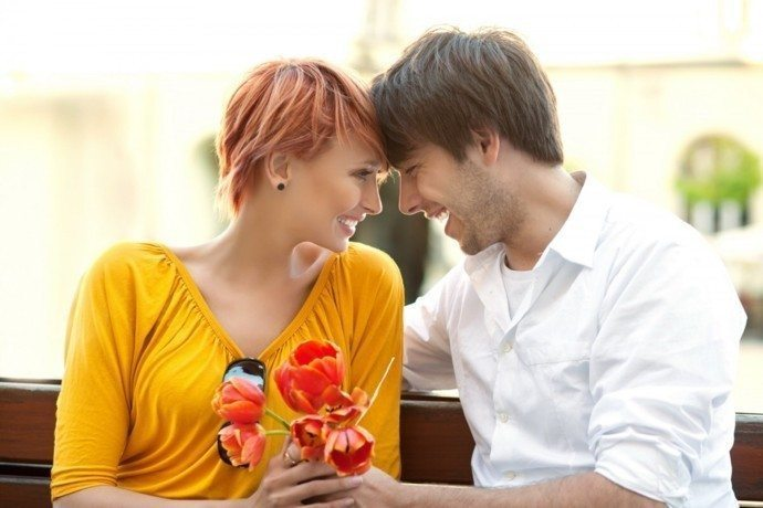 5 Signs A Man Or Woman Is Into You