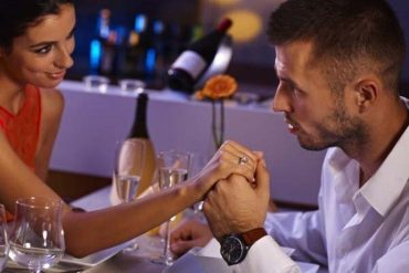 Read This Before You Dump A Commitment Phobe