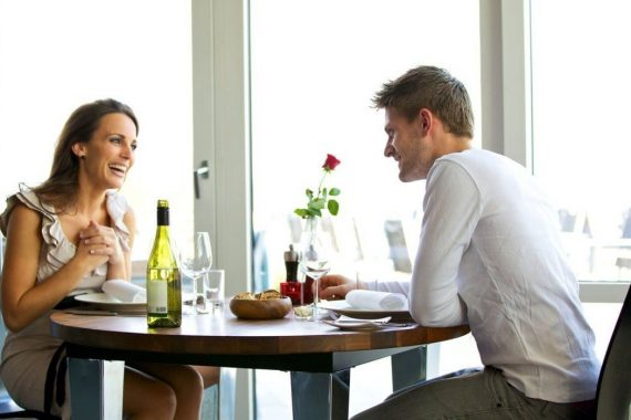 6 Tips On How To Act When You See Your Ex - A Great First Date