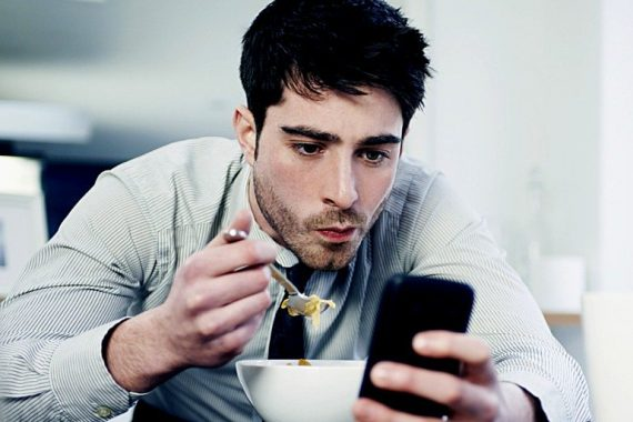 Vulnerable Narcissism - Why They Keep You On Facebook, Instagram